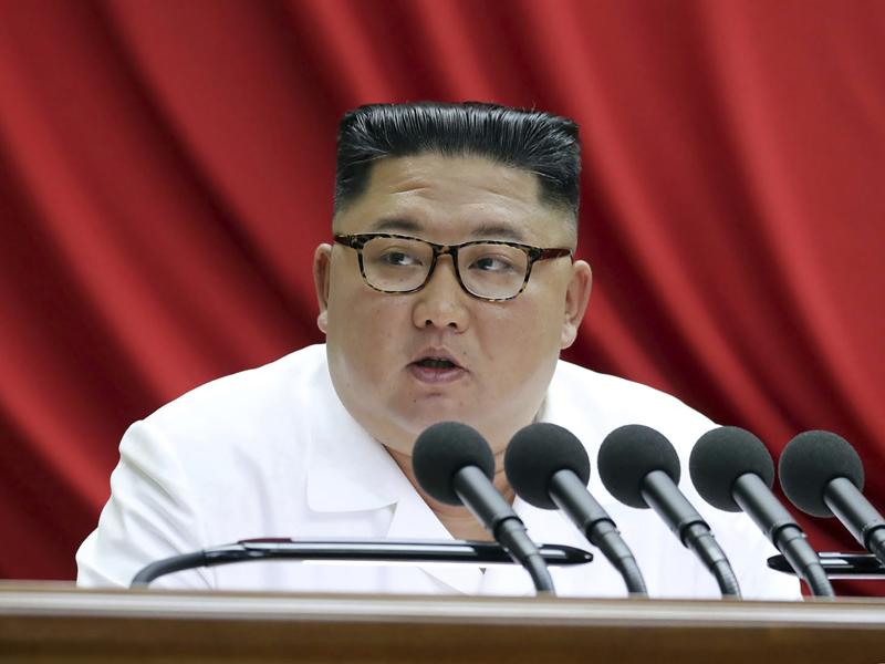 北韩最高领导人金正恩在昨日的第三日五中全会继续发表国家工作全局报告。