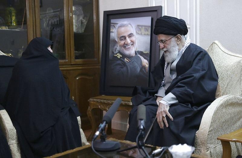 袭击发生后,伊朗最高领袖哈梅内伊誓言「轰烈报复」。