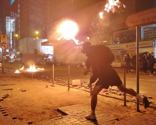 【修例風波】勇武火炬隊解散 成員多被捕 屢遭示威者「當鬼」
