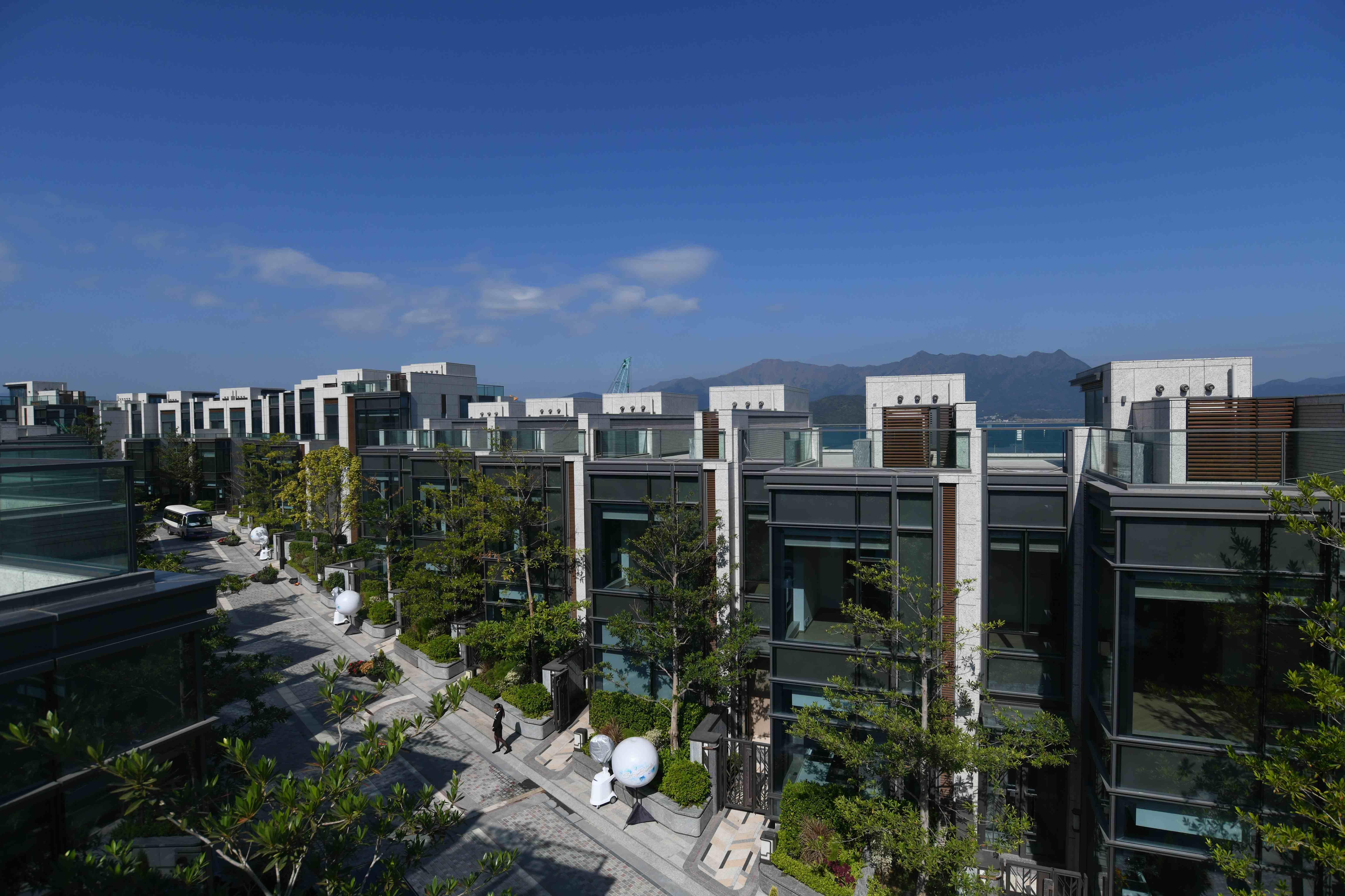法藏寺主席關月茵斥逾6111萬購雲海別墅。