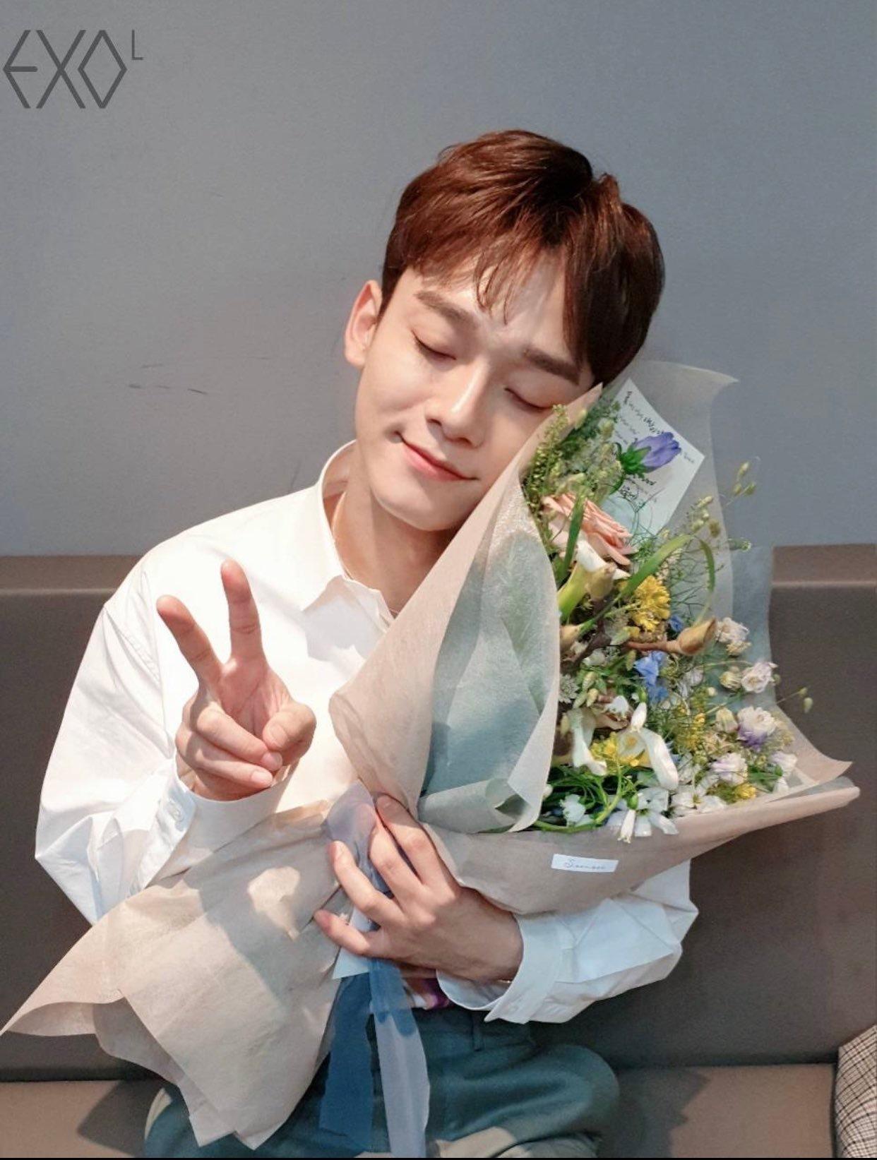 Chen的婚訊傳出後,粉絲大受打擊。