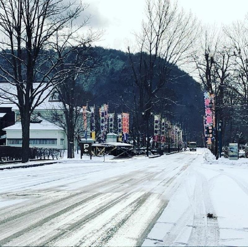 日本秋田县的积雪稀少。网上图片