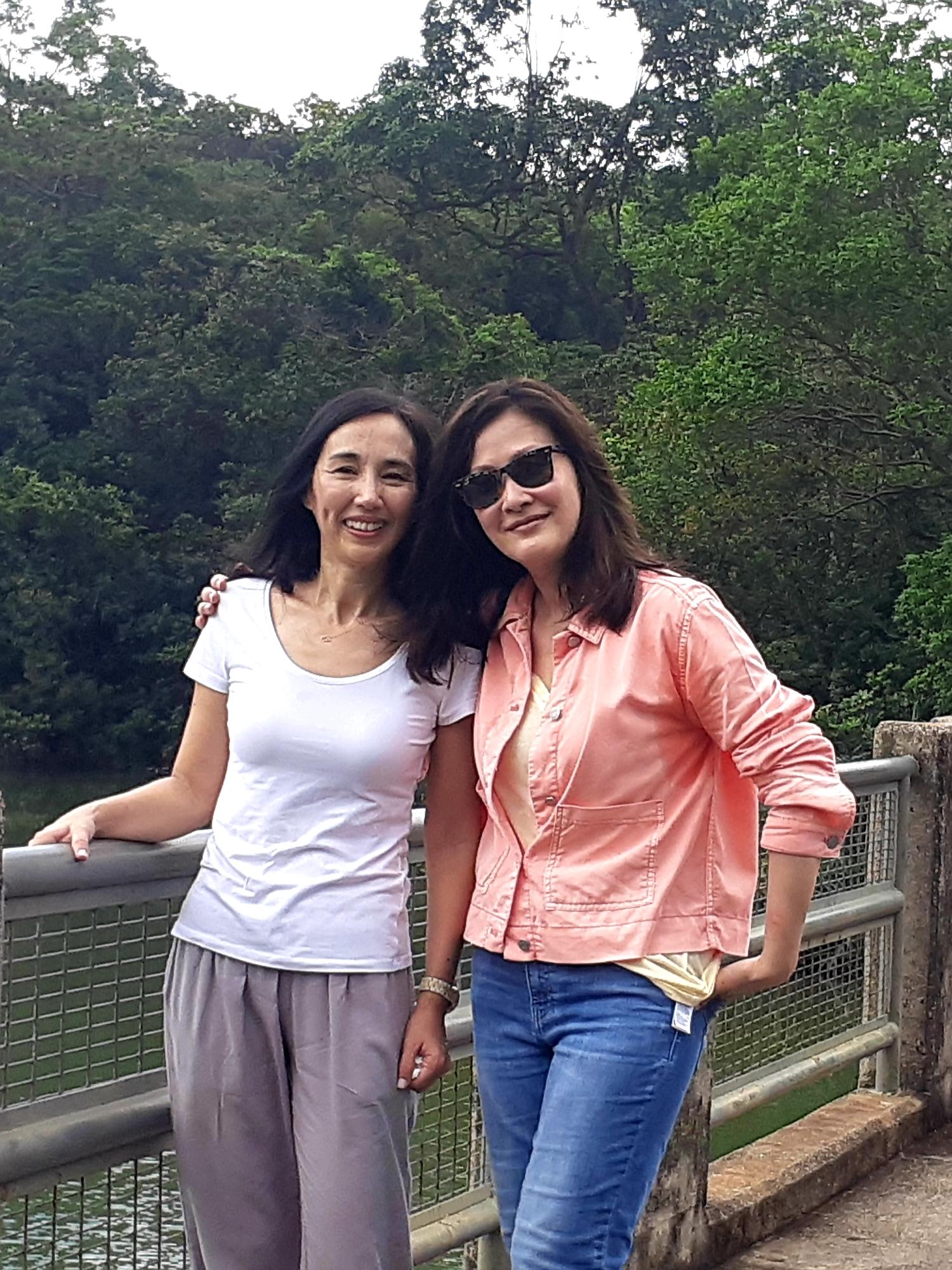 去年10月,柏安妮難得應陳慧珊(右)邀請,為香港開電視節目《放學後》擔任嘉賓。