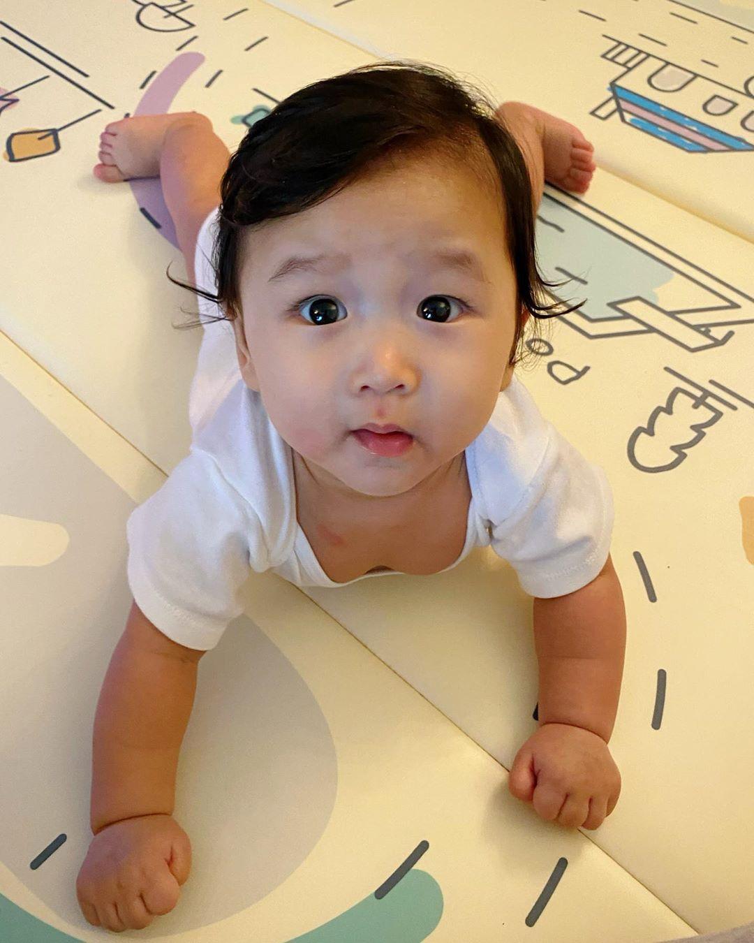 杏兒細仔李奕霖(Ryan)六個月大。