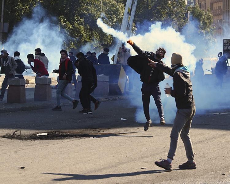 伊拉克的反美示威持续。