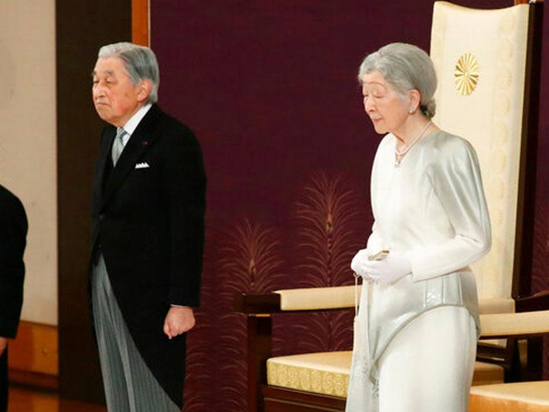 日上皇明仁(左)与上皇后美智子。(资料图片)