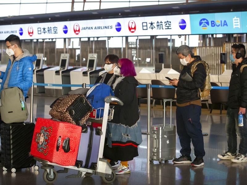 日本明日起拒绝确诊武汉肺炎患者入境。