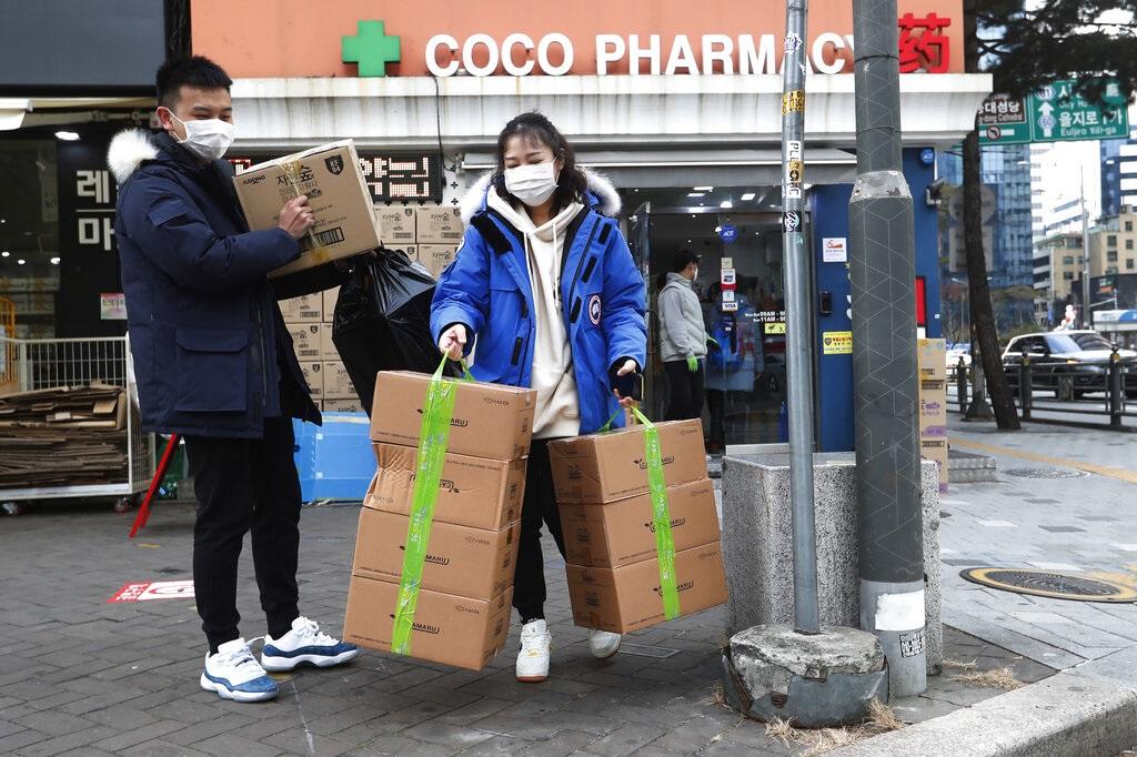 南韩民众抢购口罩。