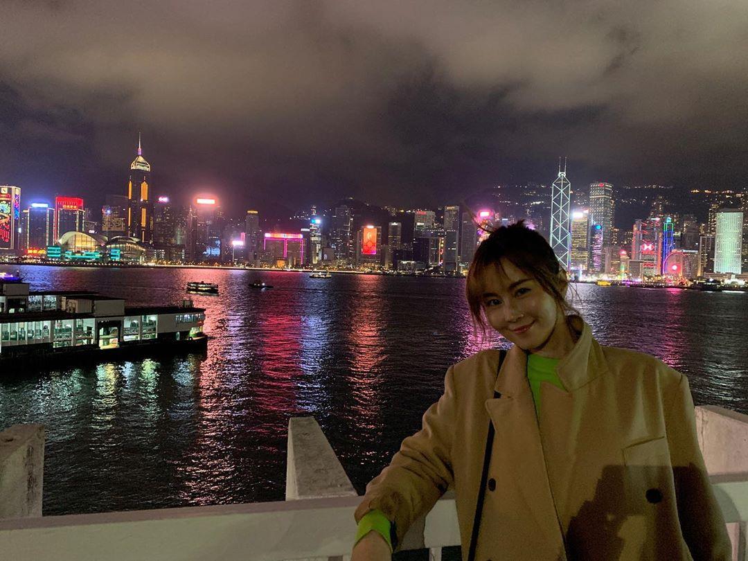 傅穎於1月時有感而發,指香港是一塊福地,很美,所以也承諾今年多留港發展。