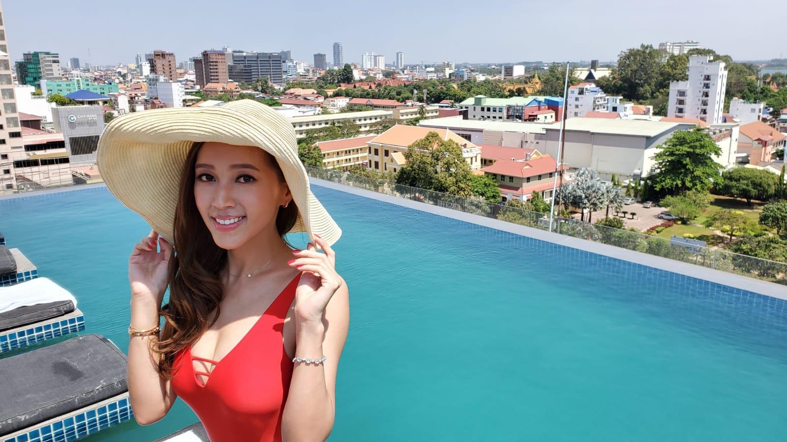 Hot爆泳池 Kelly話當地天氣雖然熱,但有微風送爽,變得好舒適呀!