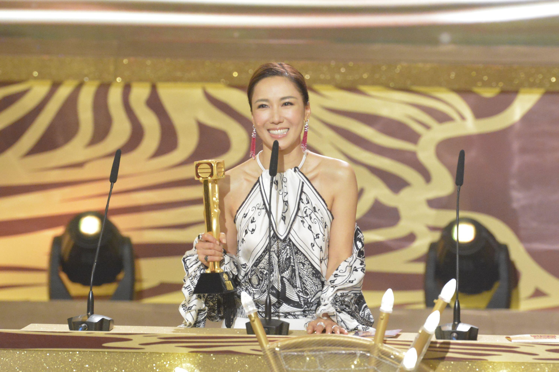 施嬅首奪TVB「最受歡迎電視女角色」,雖不算視后,但已令她好開心。