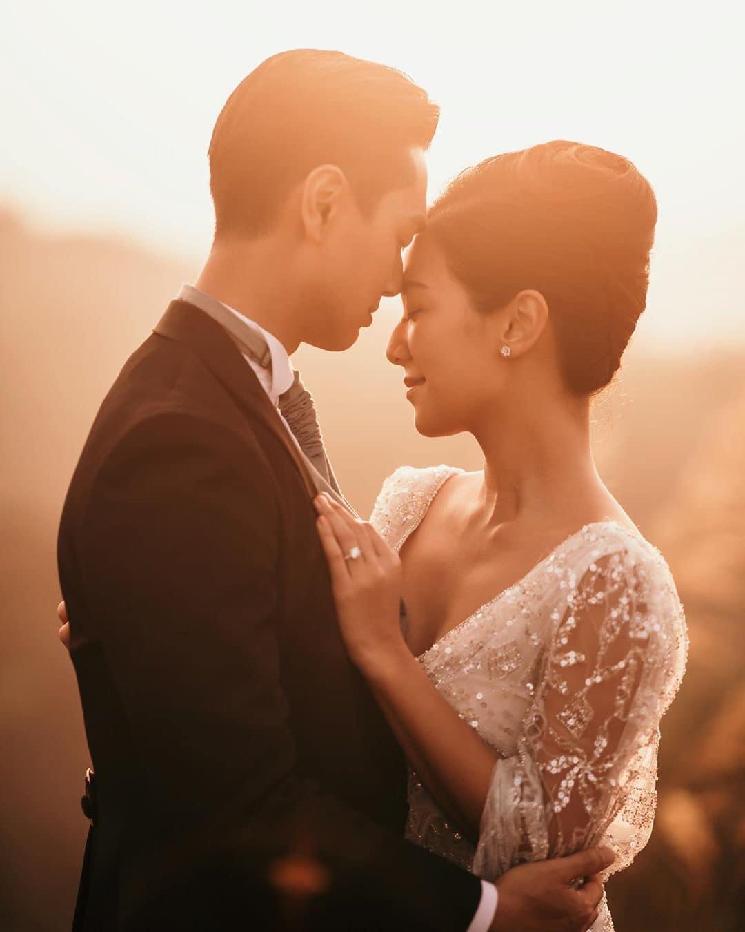 11月在香港補擺喜酒之前,何雁詩同鄭俊弘將會在美加舉行婚禮。