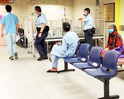 南亞嬰疑兩米高上格床墮地受傷 警列虐兒案處理