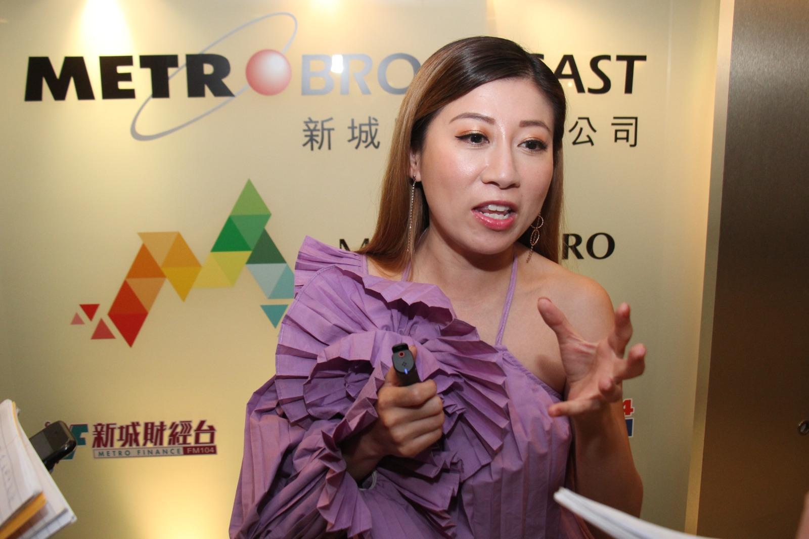 劉晨芝謂還有另一部戲洽商中,可能連拍兩部後才返港。