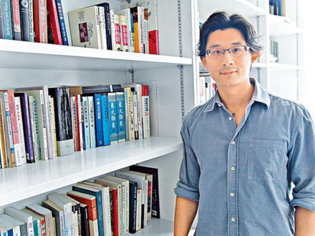 港大文學院副院長余文章認為,文學士課程適合任何背景學生報讀,課程不設面試。