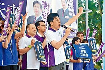 陳琬琛指選管會做法,妨礙了選舉準備工作。