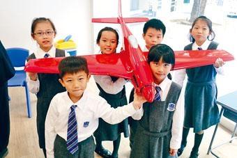 德萃學校將推行大型定翼無人偵察機建造計畫,小學生負責簡單裝嵌。