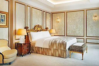 莫斯科麗思卡爾頓酒店的一間套房。