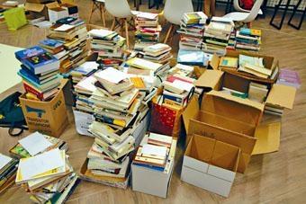 虎地書室收到不少書籍,涵蓋文史哲學、科普和園藝等。