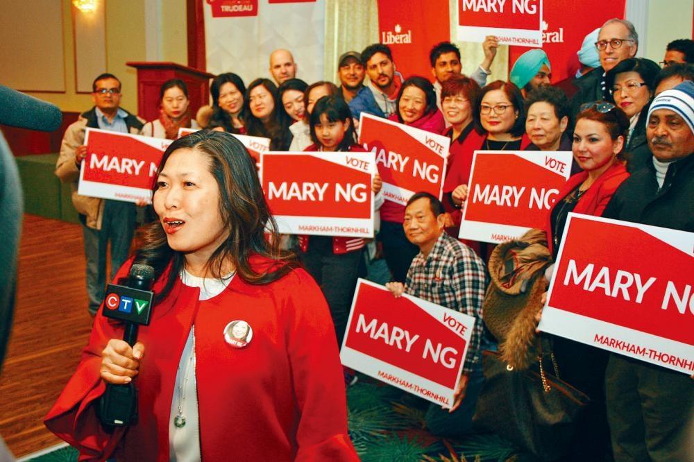 提名競逐過程中,伍鳳儀獲得社區和商界領袖廣泛的支持。