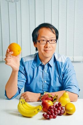 營養師黃榮俊建議每日應選擇食用不同種類的蔬菜。