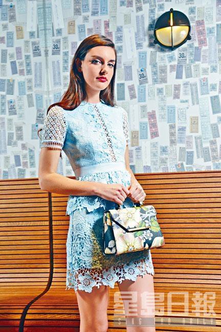 粉藍色喱士通花圖案短袖連身裙、Floral Print手袋