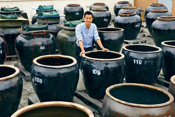 伍尚鈞指眾多發酵醬料中,醋是最難釀得好。