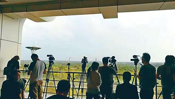 記者採訪區離火箭發射場有約三公里遠。