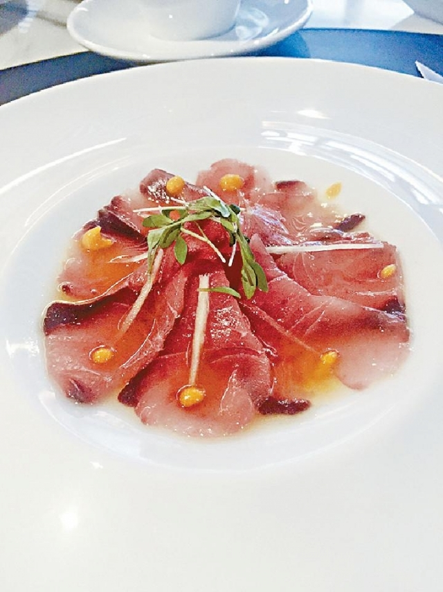 ■Amberjack Carpaccio($980二人Set Lunch頭盤,From Beefbar)