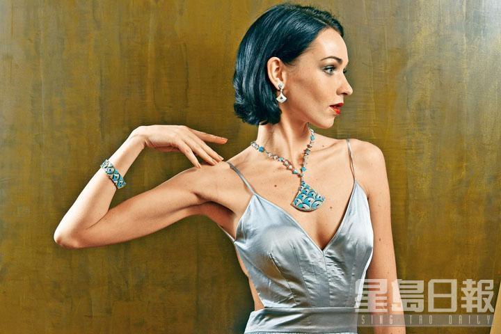 Divas' Dream Bellezza系列所採用的綠松石,充分演繹地中海的藍調,在白鑽的襯托下更見出色。