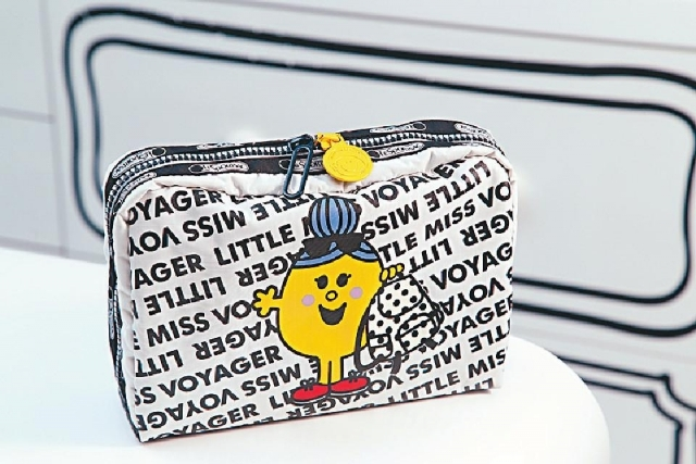■Extra Large Rectangular Little Miss Voyager化妝袋$380