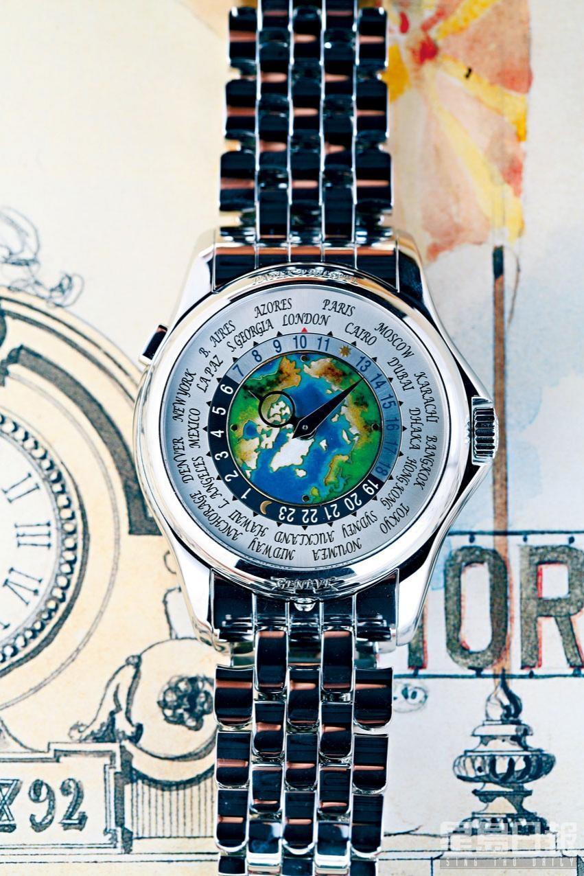 令人趨之若鶩的5131/1世界時間表款,中央飾以掐琺瑯裝飾的北半球地圖,其不同色彩琺瑯營造出獨特景深效果。
