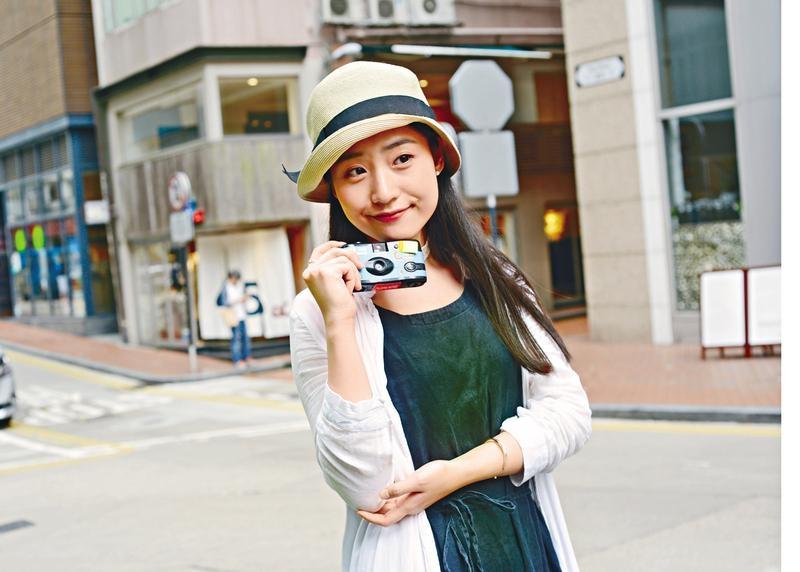 韓星撐粉絲跟  菲林相機反彈