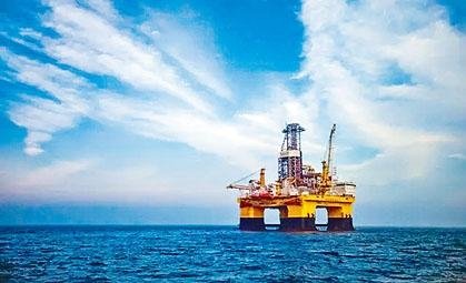 成功進行可燃冰試採的「藍鯨一號」鑽井台。