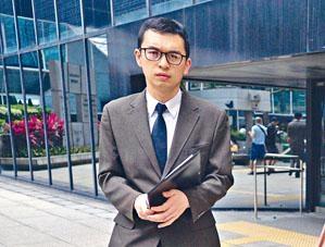 被告懲教署工藝教導員梁藝林。