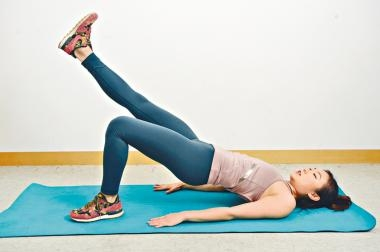 CF-30 workout第六課:抬腿畫圈練臀部