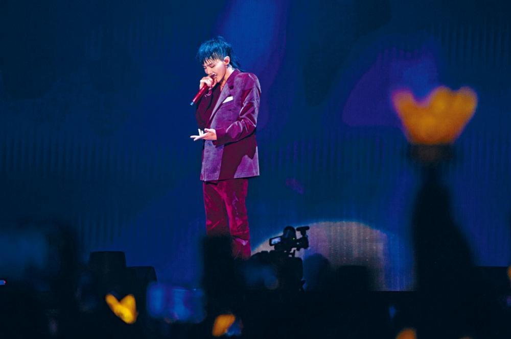 G-Dragon前晚於澳門開騷,除了耍帥,還展現鬼馬一面。