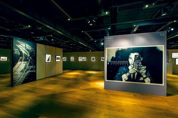 三十多幅黑白攝影作品,全是上世紀五十、六十年代香港街頭寫照。