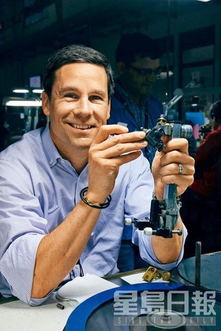 Andrew期待在自家鑽石以外,品牌可於未來發展其他寶石的生產供應鏈。