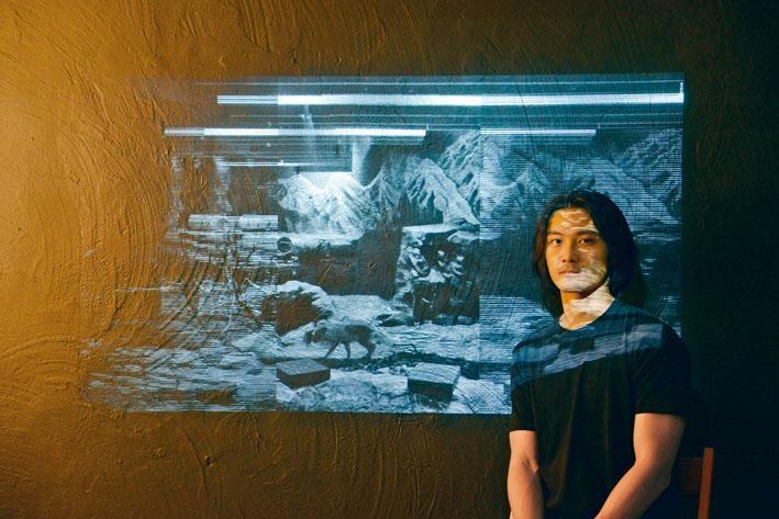 黃耀霖利用多媒體裝置,強調參觀者的主體性。