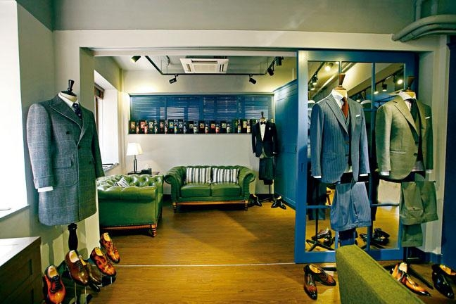The Brown House中環新店設計舒適,在此歎杯咖啡訂造西裝,十分寫意。
