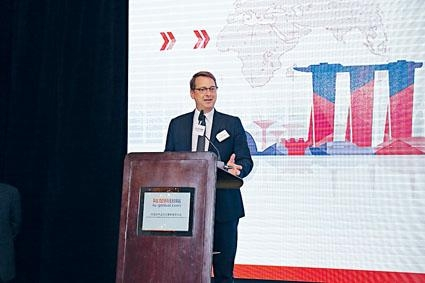 計葵生表示,陸國際亦屬陸金所旗下的公司,將會納入陸金所共同上市。