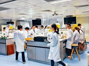 政府昨公布SSSDP課程名單,涵蓋護理範疇,如醫療化驗科學、放射治療科學等學科。