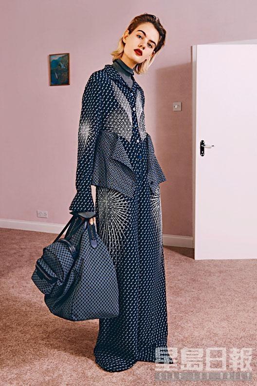 Scottie Tie Print套裝、樽領上衣、Windsor Tie Print拼色環保尼龍Hobo Bag、Windsor Tie Print拼色環保尼龍背囊。