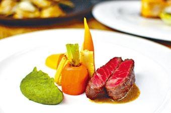 Mayura M9朱古力和牛牛上冧肉,大廚選用牛上冧肉,肉質較有彈性,是愛牛者不能錯過的美食。