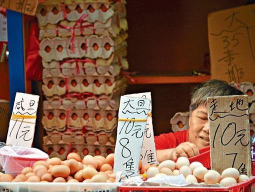 不少商販表示,市民買雞蛋時都會詢問貨品產地來源。