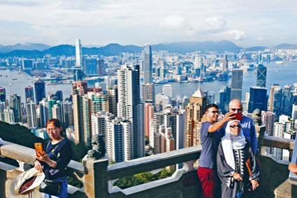 受其他城市宜居狀況提升影響,香港排名跌至四十五位。