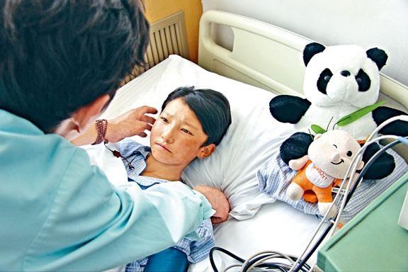 病童有發燒現象,尤其六歲以下,應及早求醫。