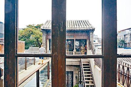 書局是民國時期建築,設有前、後兩幢房子。