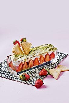 「草莓之戀」賣相精緻,有齊草莓、抹茶及雲呢嗱雪糕等。($88)